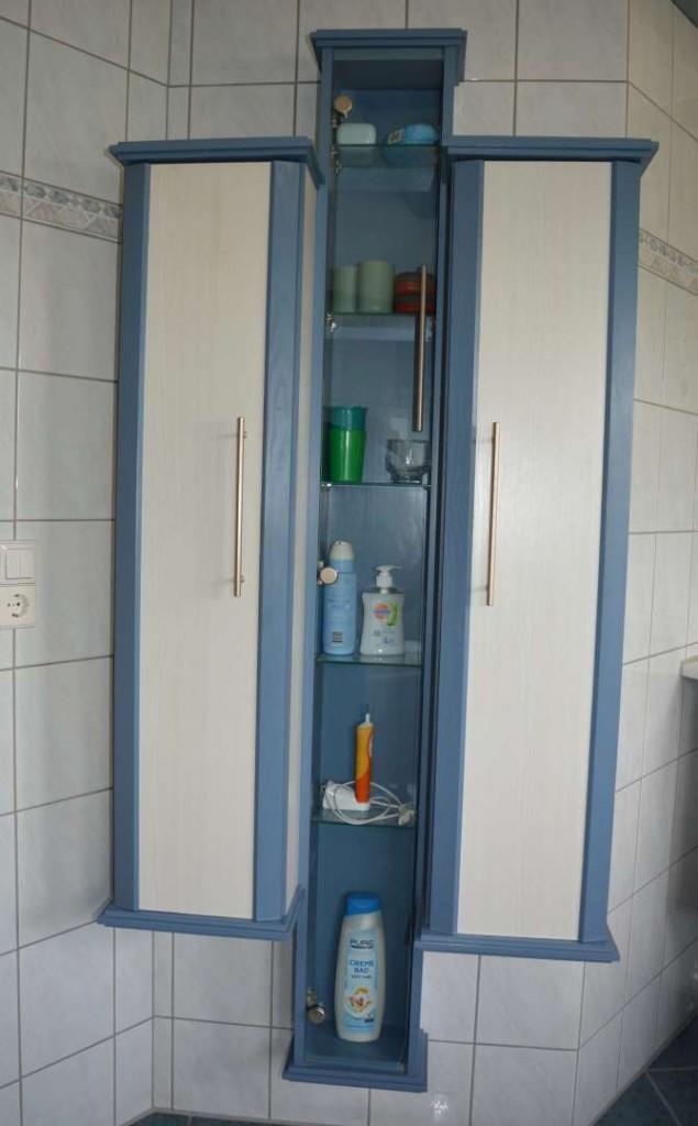 Badmöbel in Esche weiss/blau