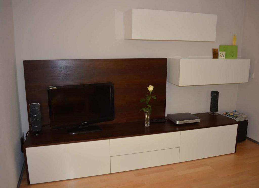 TV Möbel in Akazie/weiss