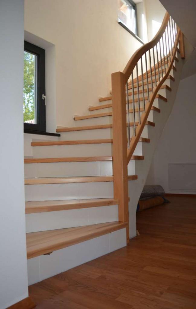 Treppe in Kernbuche