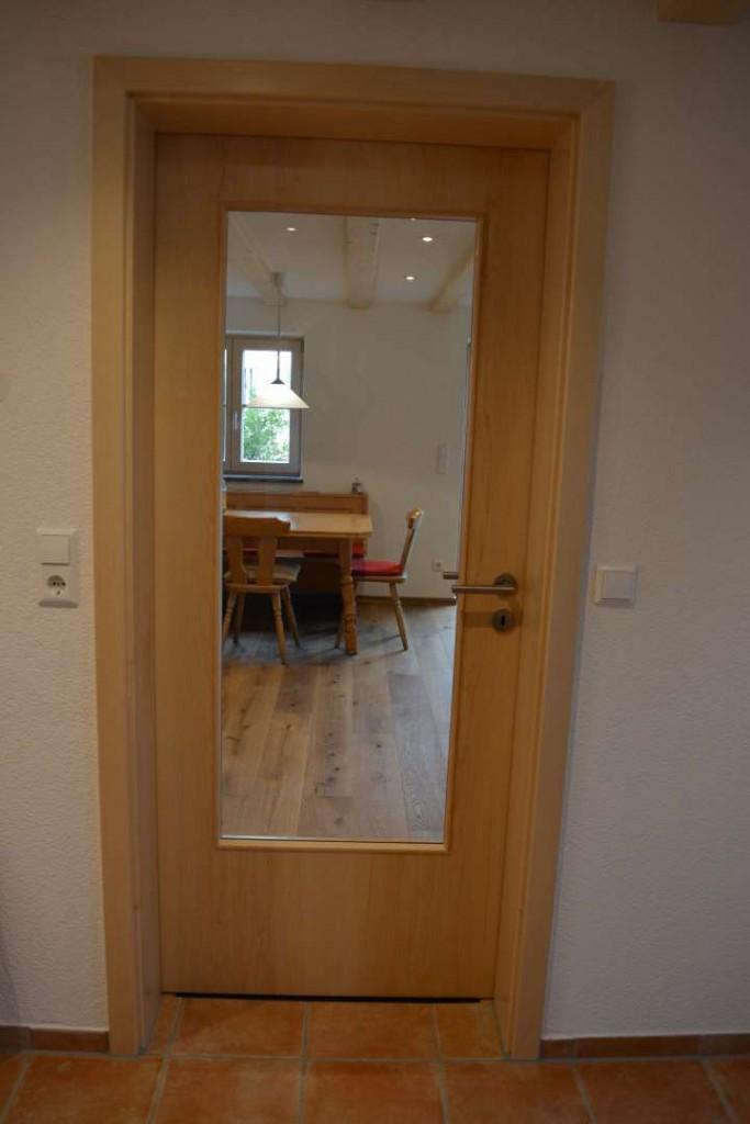 Tür mit Glaseinsatz