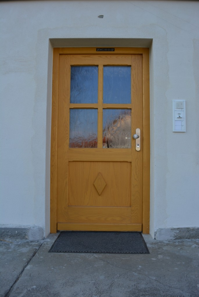 Haustür mit Ornamentglas